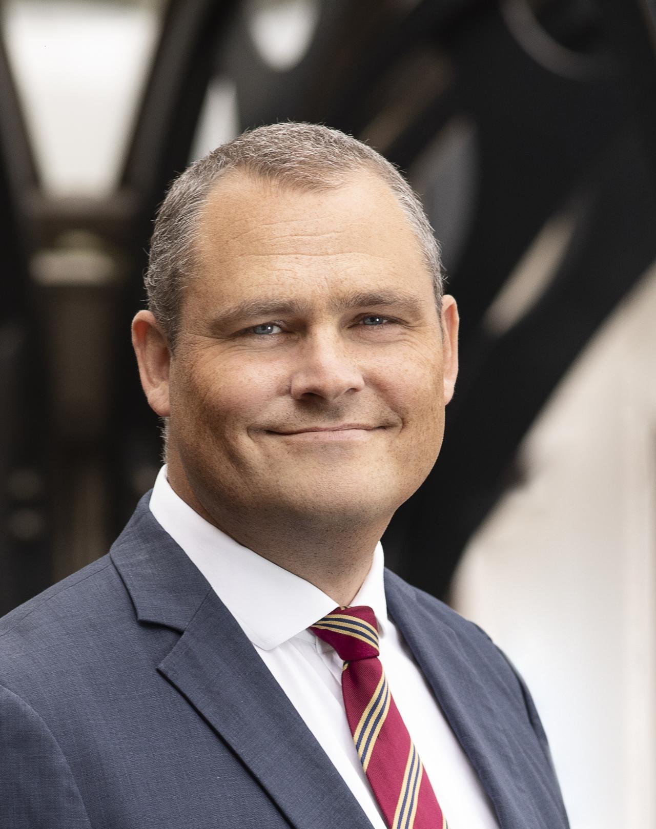 Kasper Carøe er ledelsesrådgiver og partner i Implement med fokus på bl.a. cybersikkerhed, it-risikostyring og compliance